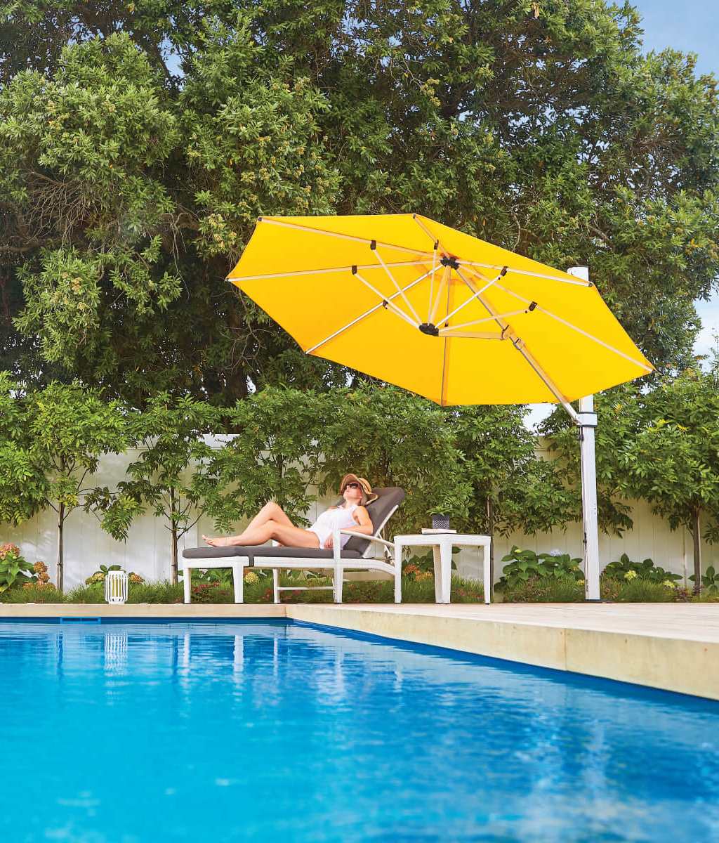 Cantilever Umbrella for Auckland pool