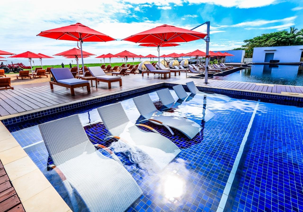 Hilton KORO Fiji Riviera Cantilever Umbrella