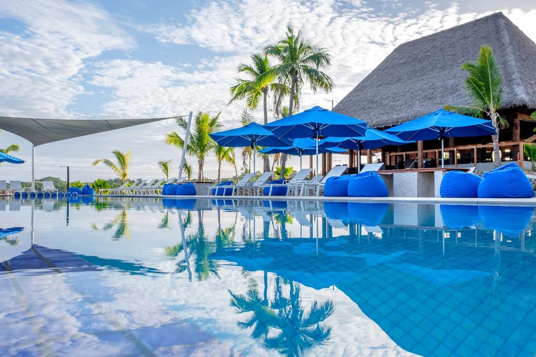 Plantation Island Fiji Monaco Sun Umbrellas