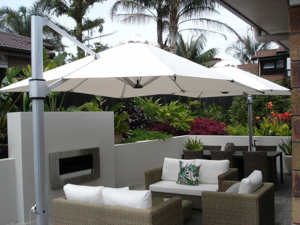 Outdoor Lounge using Large Cantilever Umbrella