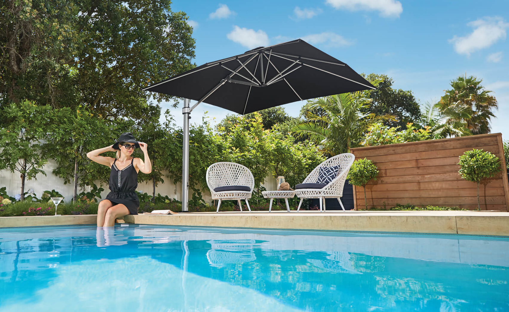 Square Cantilever Umbrella in Black in Auckland