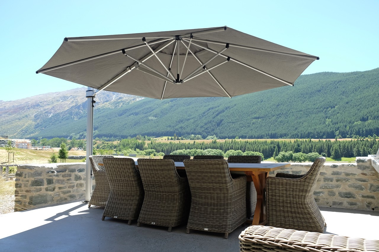 Riviera cantilever umbrella Queenstown