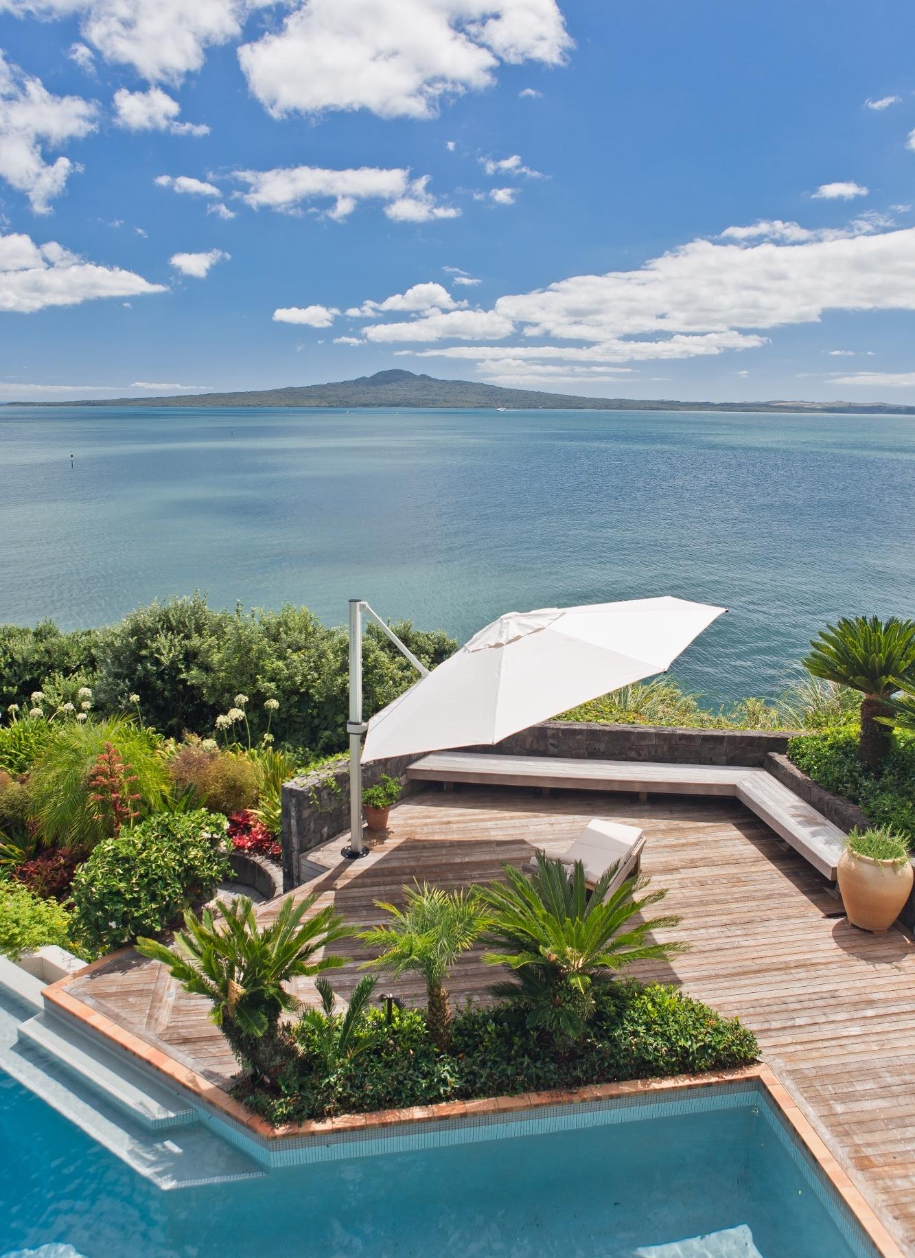 Octagonal Riviera Cantilever Umbrella Mission Bay Auckland