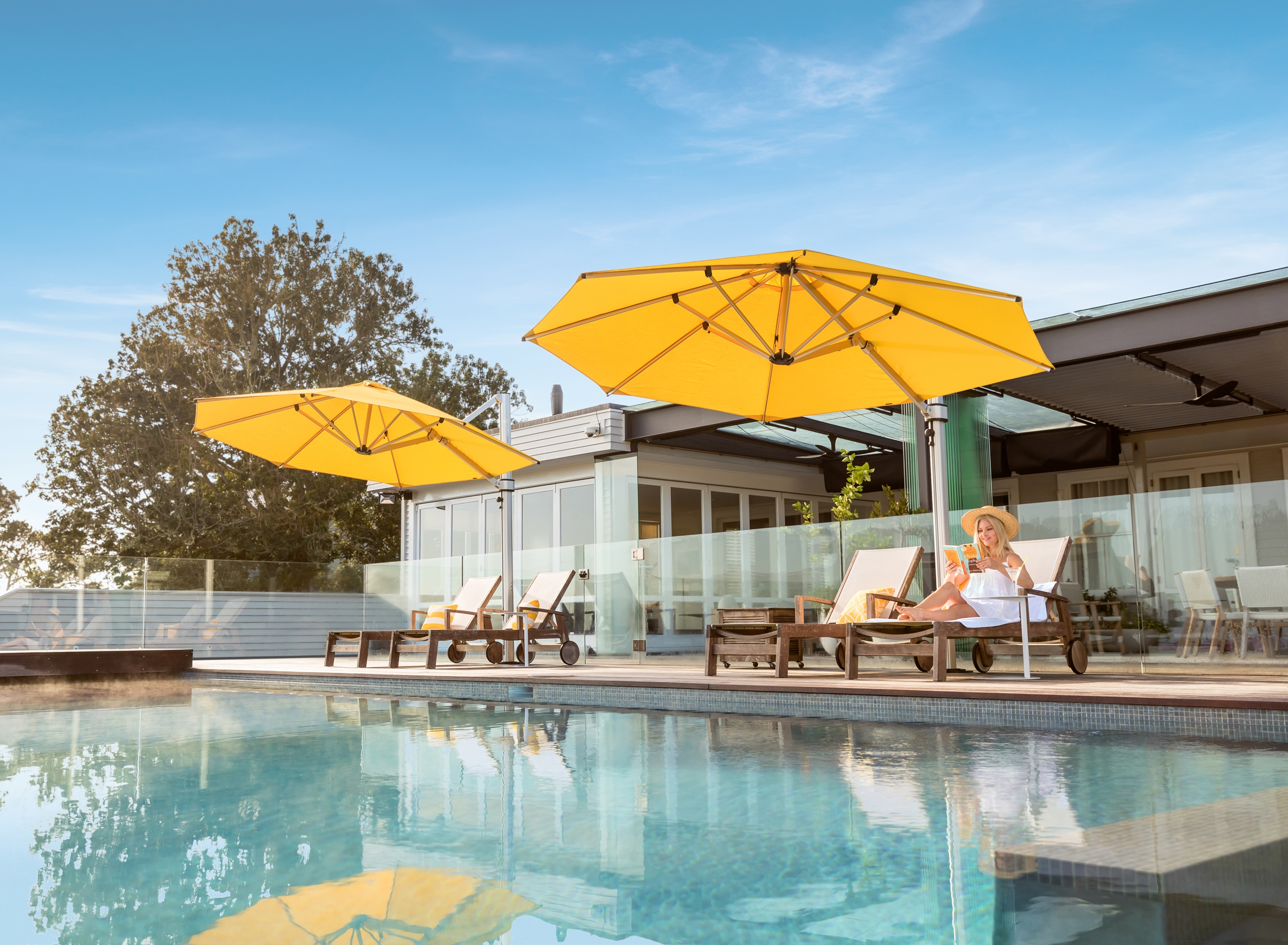 Riviera Cantilever Umbrella By Pool
