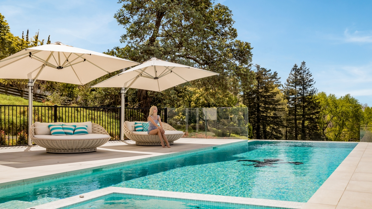 Riviera White Cantilever Umbrella By Pool